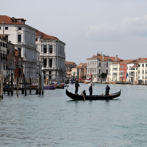 The Grand Canal is seen after the Italian government imposed a virtual lockdown on the north of Italy including Venice to try to contain a coronavirus outbreak, in Venice, Italy on March 9, 2020. The image shows the iconic canal with almost no boats, just a single gondola. REUTERS/Manuel Silvestri