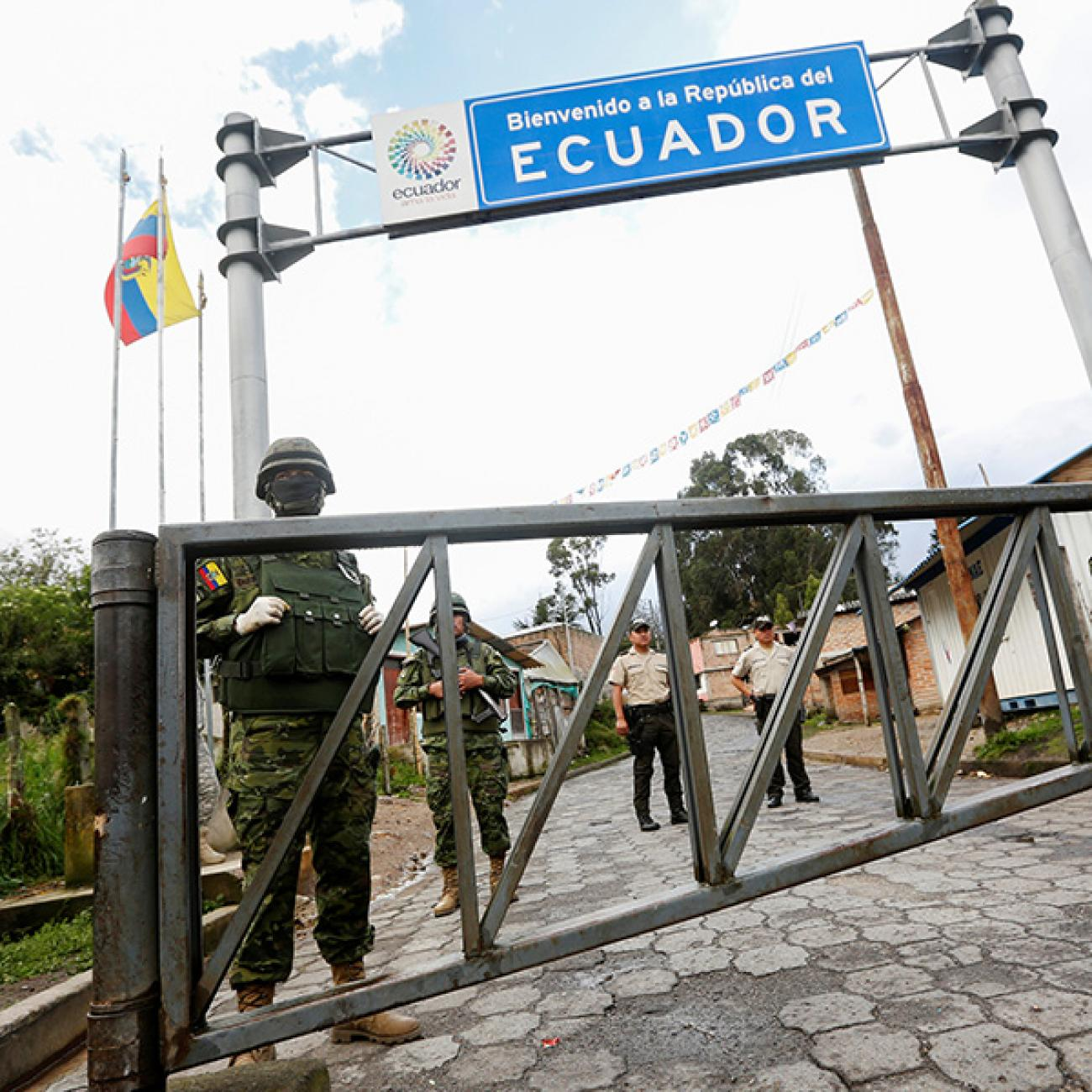 https://www.thinkglobalhealth.org/sites/default/files/styles/max_1300x1300_1_1/public/2020-04/Sacoto.Torres-CoV-Ecuador-4.13.20-RTS367N7-SQUARE.jpg?itok=je3fJEyq