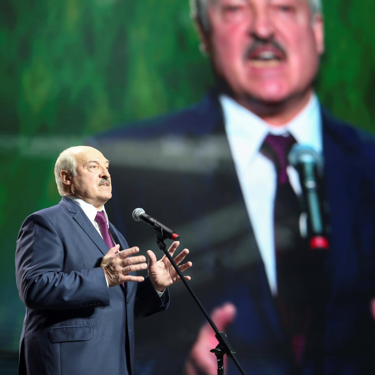 https://www.thinkglobalhealth.org/sites/default/files/styles/max_1300x1300_1_1/public/2020-10/TGH_Sethy_Kiernan_Lukashenko_1x1.jpg?itok=EwTbzcxF