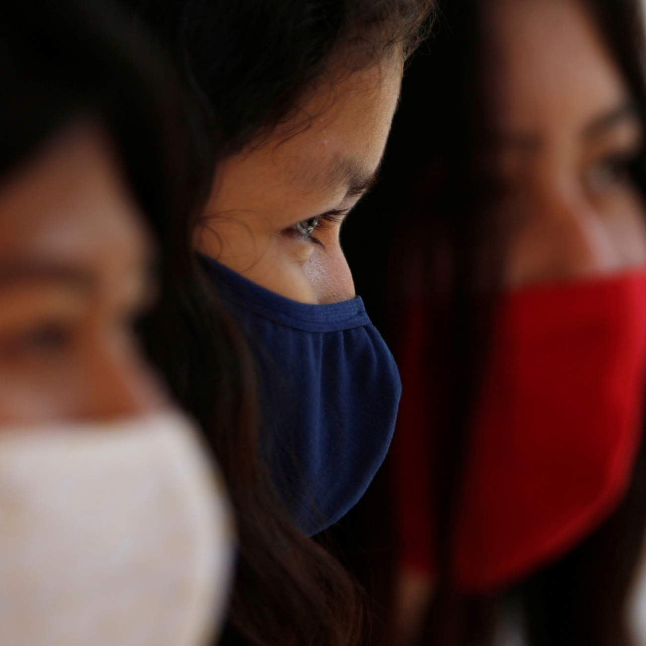 https://www.thinkglobalhealth.org/sites/default/files/styles/max_1300x1300_1_1/public/2021-07/women%20in%20covid%20masks%201.1.png?itok=BRqSTNjH