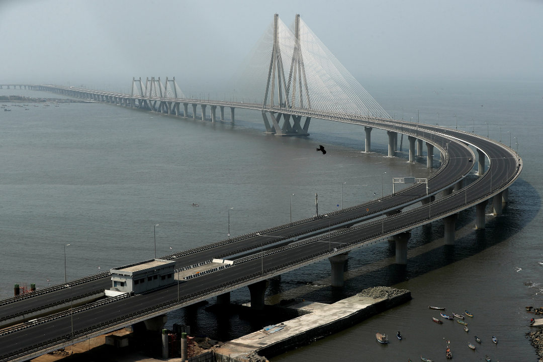 A deserted Bandra-Worli sea link is seen during a weekend lockdown to limit the spread of the coronavirus disease (COVID-19) in the country, in Mumbai, India, April 10, 2021. REUTERS/Francis Mascarenhas